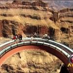 [Clip] Trải nghiệm cảm giác đi trên Sky Walk, công viên quốc gia Grand Canyon
